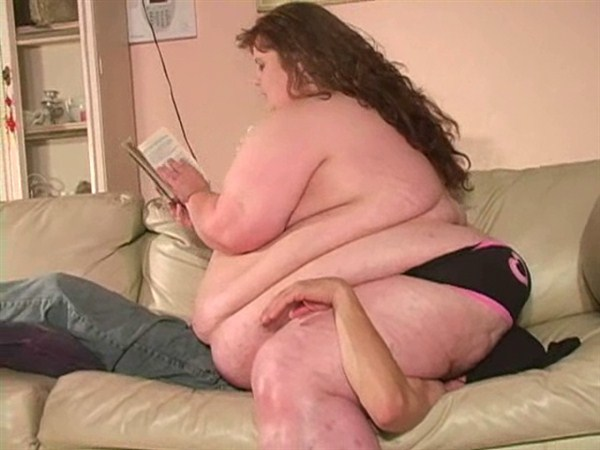 Fat girl sitting on guys face