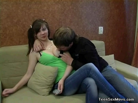Young student in jeans - the guy fucks his girlfriend