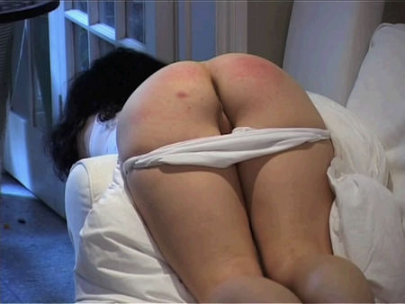 Dad spanked her very young daughter