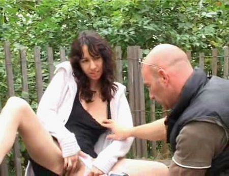 Public sex on the bench - a hot young girl