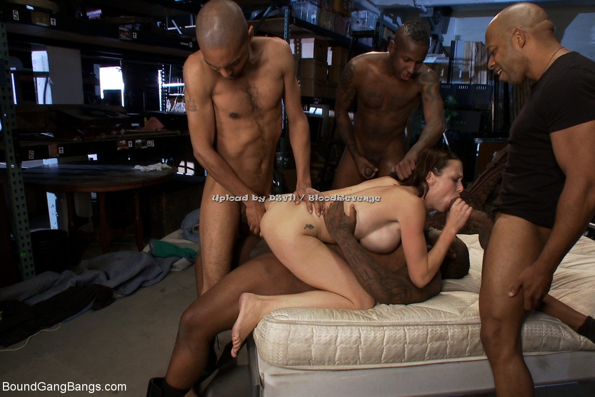 Sweet brunette eva shine masturbating