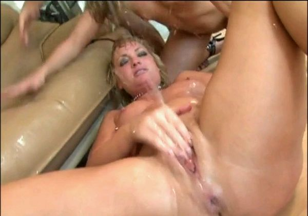 Extreme Squirting Video 12