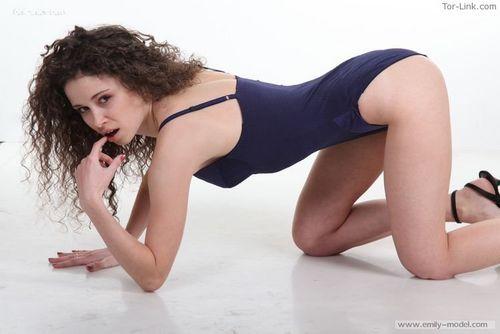 Emily-Model set 89