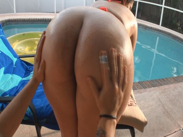 naked women with huge booty