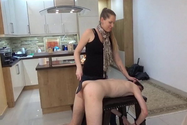 Femdom spanking photos
