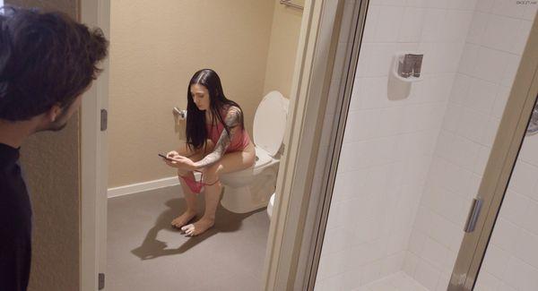 Член в дырке (gloryhole). Порно видео.