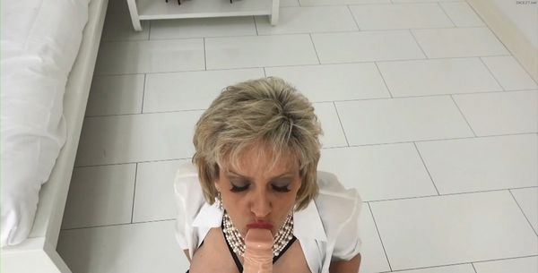 Free mature young pussy videos